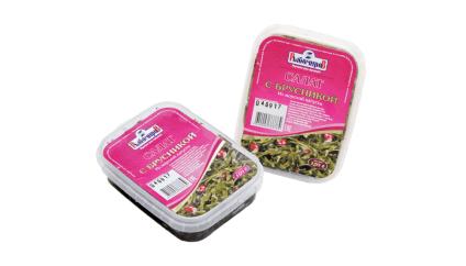 Салат из м/к с брусникой