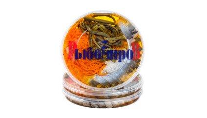 Сельдь Матье с гарниром (папоротник, морковь с опятами)