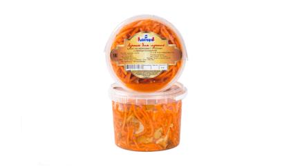 Салат из моркови с опятами по-корейски